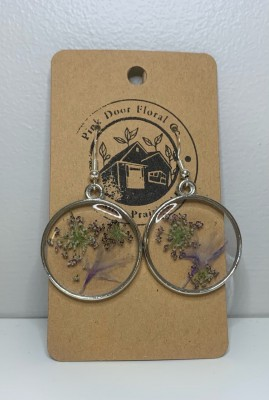 Queen Anne's Lace - Floral Resin Earrings